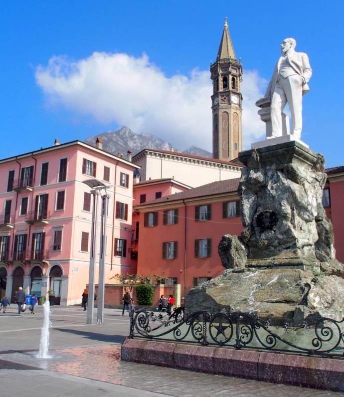 Piazza Cermenati e Matitone. Visit Lecco